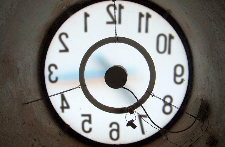 El dia que Franco va avançar el rellotge