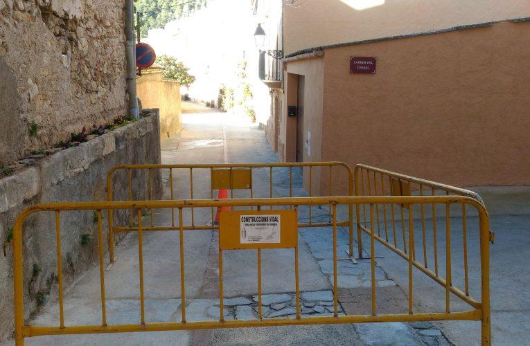 El carrer Balmes continua tallat al trànsit