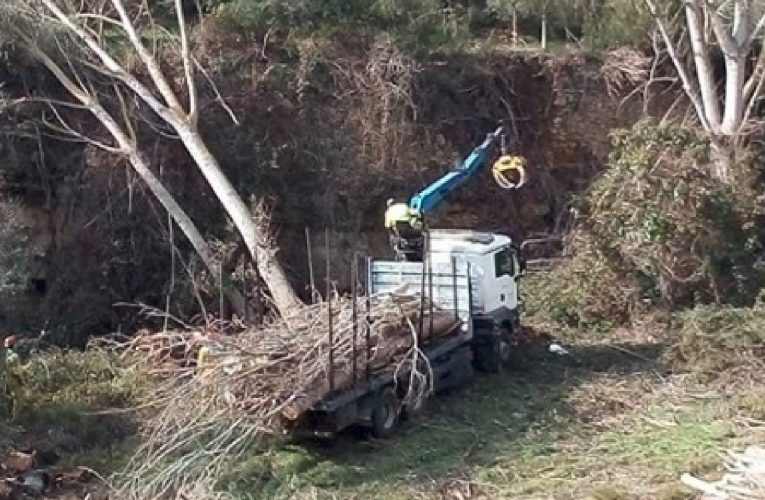 L'Agència Catalana de l'Aigua neteja el Barranc de Montsant i el Pont Vell