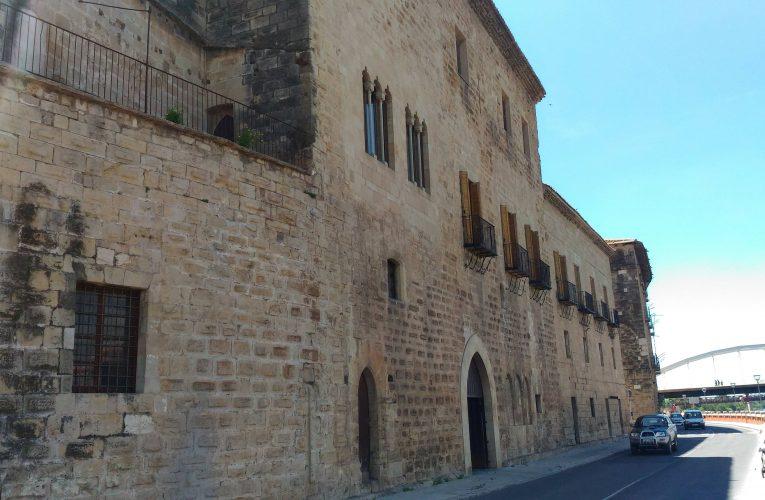 El bisbat de Tortosa manté les misses però en dispensa la participació